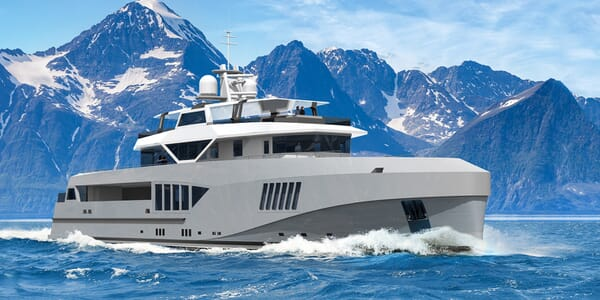 Motor Yacht Cape Hawk cruising