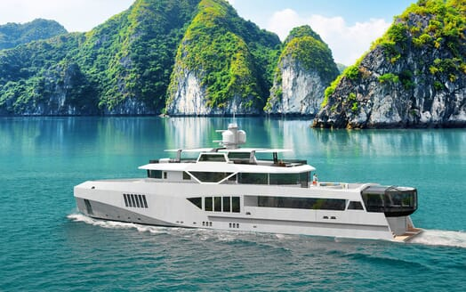 Motor Yacht Cape Hawk underway
