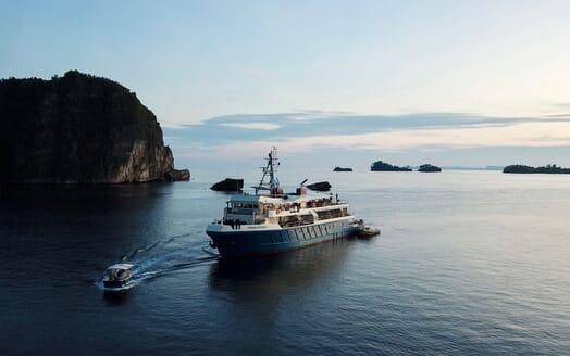 Motor Yacht KUDANIL Exterior Profile