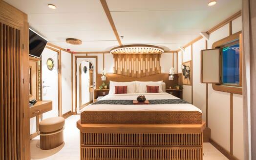 Motor Yacht KUDANIL Master Stateroom