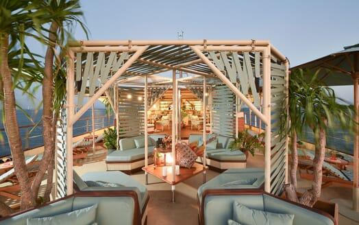 Motor Yacht KUDANIL Sun Deck Seating