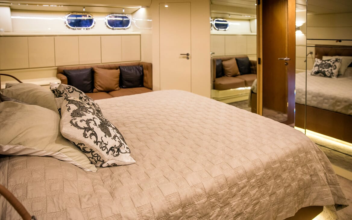 Motor Yacht DIAMS Master Stateroom