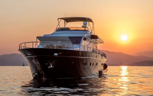 Motor Yacht DIAMS Evening Exterior Bow