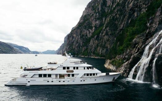 Motor Yacht Daydream Fjord