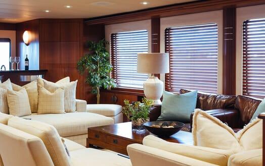 Motor Yacht Daydream Main Saloon
