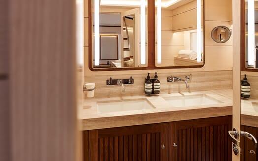 Sailing Yacht ARCHELON Bathroom