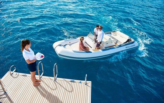 Sailing Yacht ARCHELON Al Fresco Breakfast
