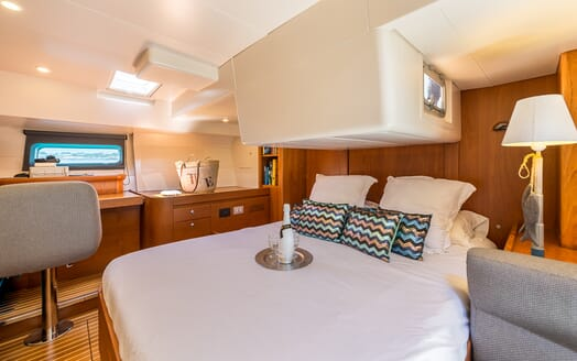 Sailing Yacht LH2 guest cabin