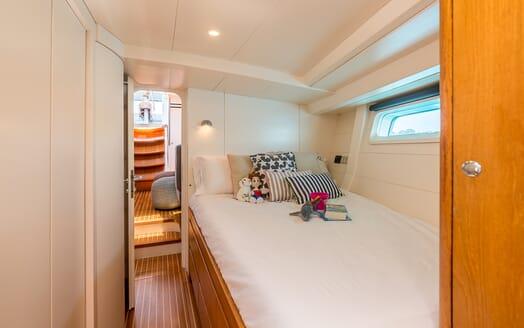 Sailing Yacht LH2 cabin