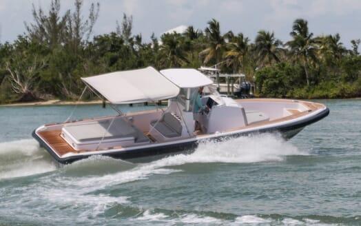 Motor Yacht Yellowfin running shot