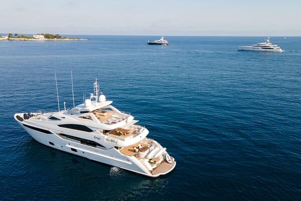 Motor Yacht ANYA Profile