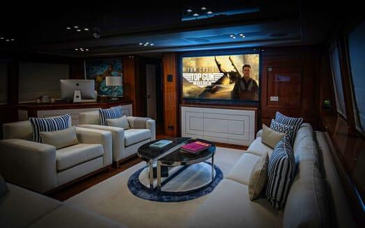 Motor Yacht ANYA Master Bathroom