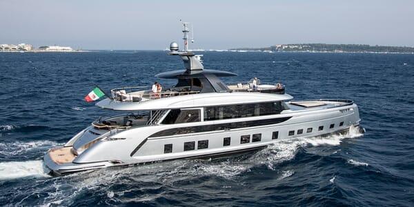 Motor Yacht Dynamiq GTT 115 Running