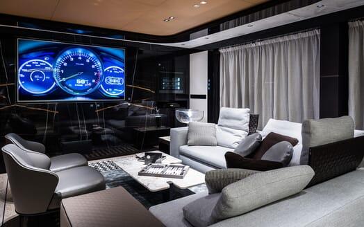 Motor Yacht Dynamiq GTT 115 Saloon