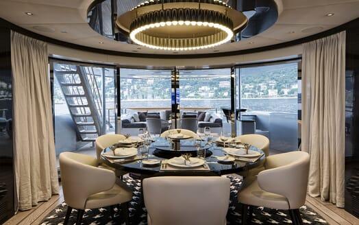 Motor Yacht Dynamiq GTT 115 Dining Room