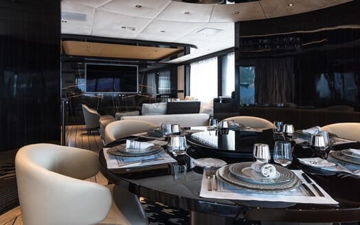 Motor Yacht Dynamiq GTT 115 Close up Dining Room