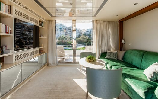 Motor Yacht Babousha TV room