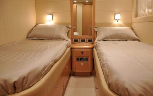 Motor Yacht Felina Twin Stateroom