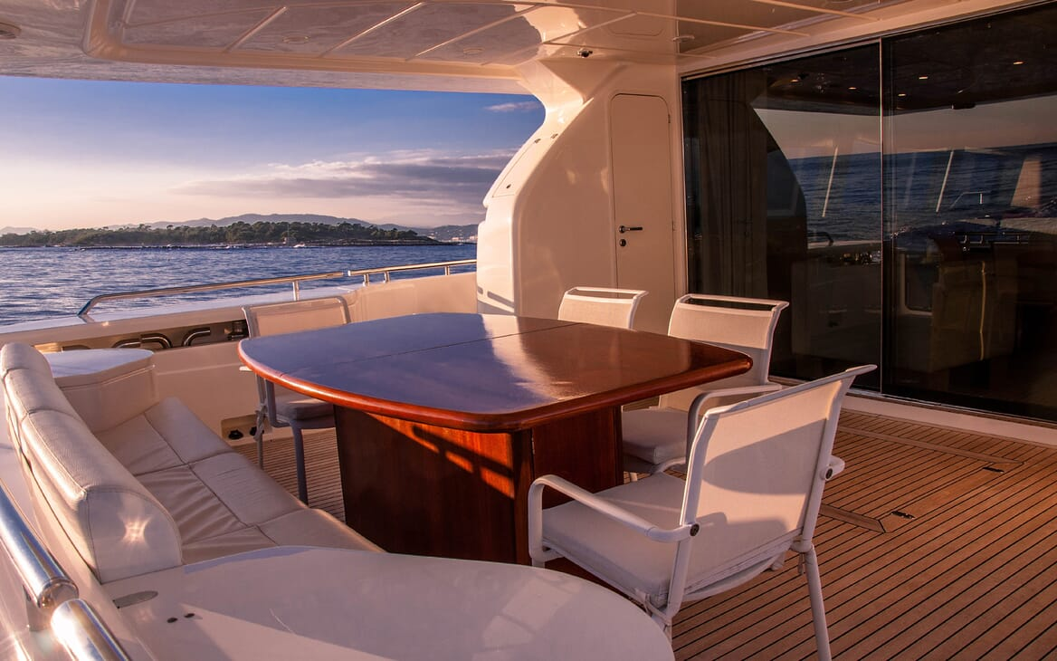 Motor Yacht Felina Aft Deck Dining