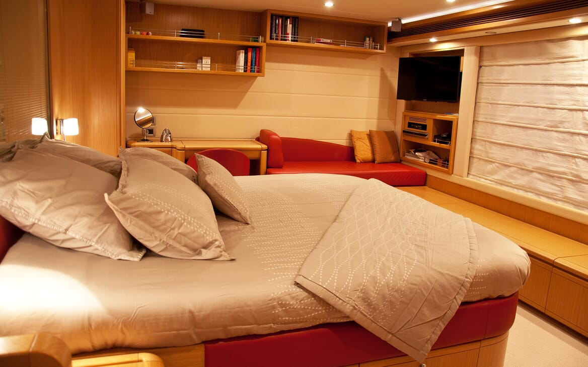 Motor Yacht Felina Guest Stateroom