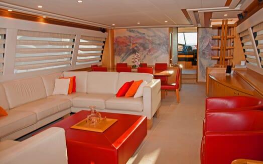 Motor Yacht Felina Saloon