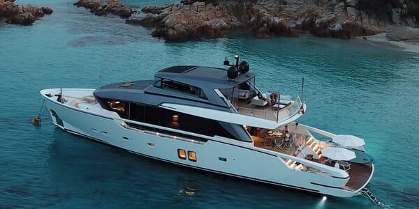 Motor Yacht Ozone Profile