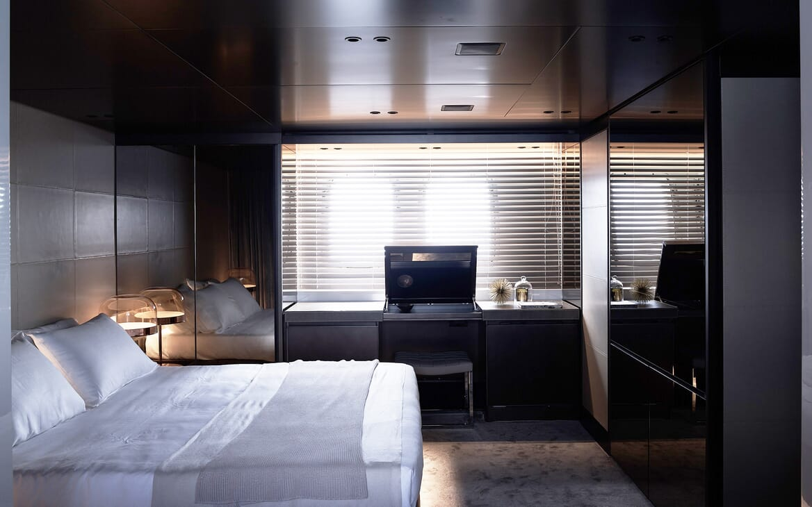 Motor Yacht Ozone Guest Stateroom