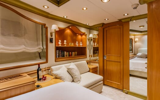 Motor Yacht TO JE TO VIP Double Stateroom Detail