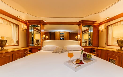 Motor Yacht TO JE TO Double Guest Stateroom Bed