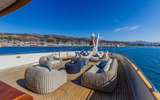 Motor Yacht TO JE TO Sun Deck Seating Aft View