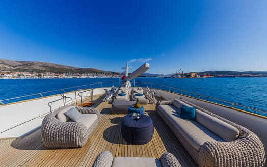 Motor Yacht TO JE TO Sun Deck Aft Seating and Loungers