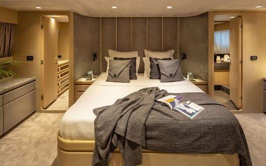 Motor Yacht SUMMER FUN Master Stateroom