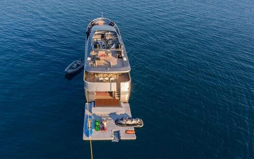 Motor Yacht SUMMER FUN Aft and Beach Club