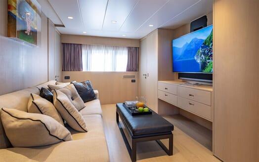 Motor Yacht SUMMER FUN Small TV Room