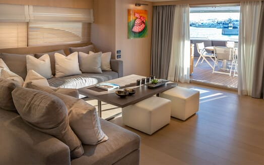 Motor Yacht SUMMER FUN Main Saloon Seating and Aft View