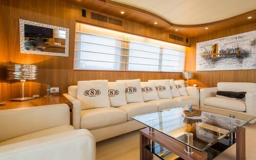 Motor Yacht 888 Saloon