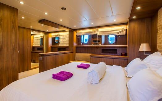 Motor Yacht 888 Master Stateroom