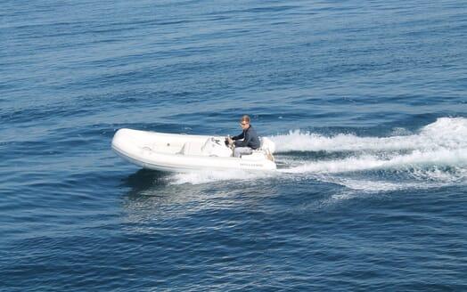 Motor Yacht 888 Tender