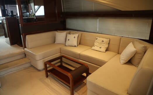 Motor Yacht Thanx Dad 4 Main Saloon