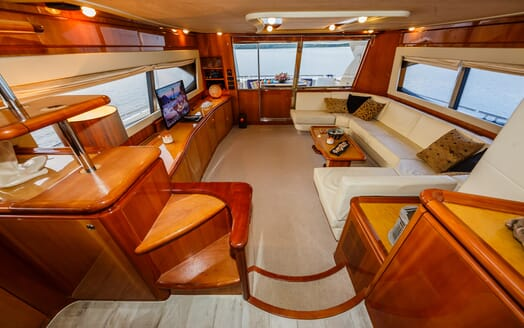 Motor Yacht Quo Vadis I Main Saloon