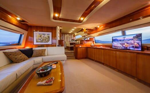 Motor Yacht Quo Vadis I Main Saloon 2