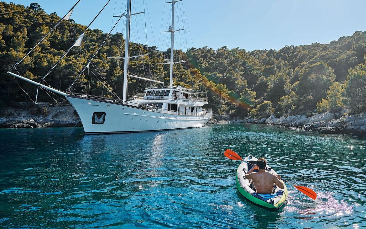 Sailing Yacht CORSARIO Kayak