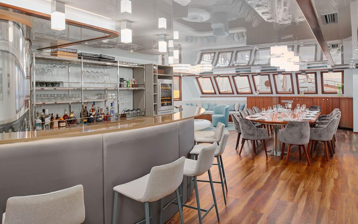 Sailing Yacht CORSARIO Bar and Dining Table 2