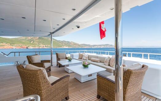 Motor Yacht LUCK LADY Main Aft Deck