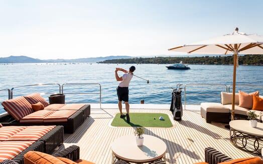 Motor Yacht LUCKY LADY Sun Deck Golf