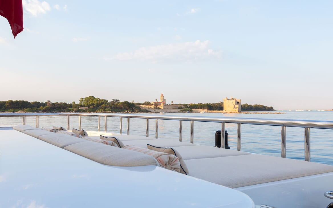 Motor Yacht LUCKY LADY Sun Pad View