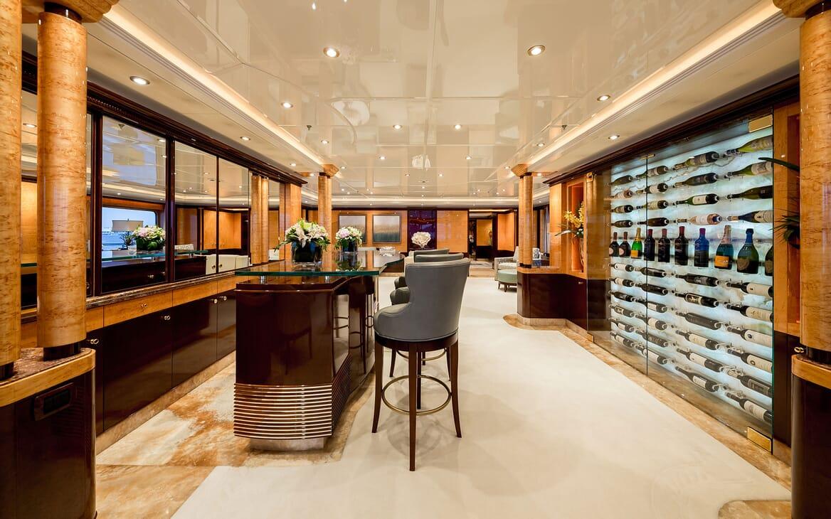 Motor Yacht LUCKY LADY Main Deck Bar
