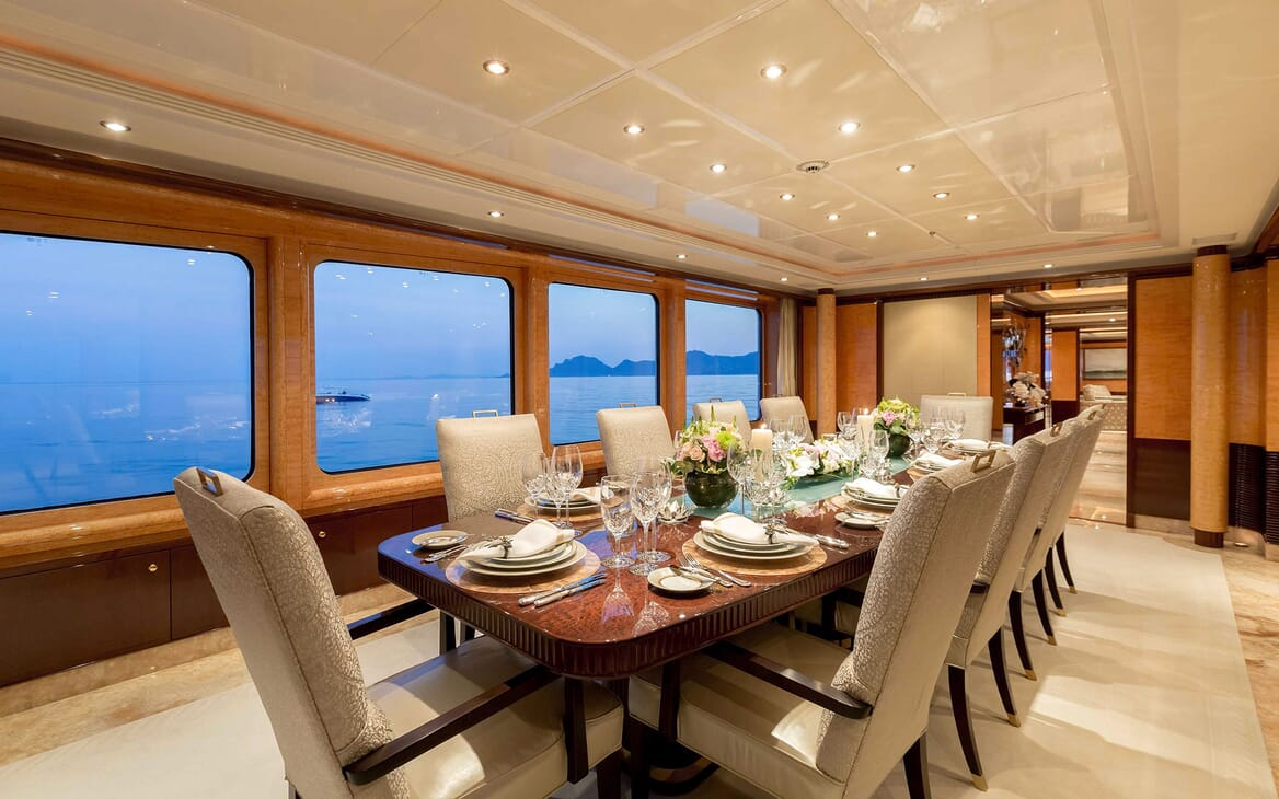Motor Yacht LUCK LADY Dining Room