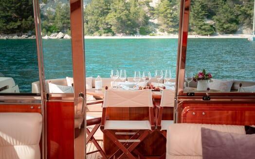 Motor Yacht Marino Aft Deck Dining Set Up