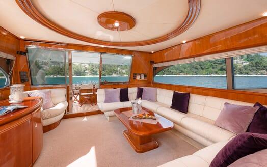 Motor Yacht Marino Main Saloon 2